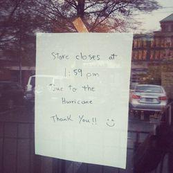 "Closed Starbucks, McLean, VA. [Photo: <a href=""http://instagram.com/p/RX386tjXtm"">shawnakel/Instagram</a>]"