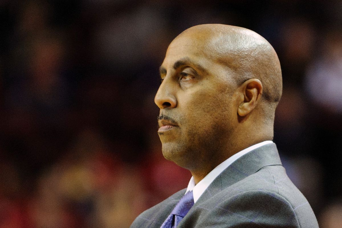 Head Coach Lorenzo Romar and the rest of Washington's coaching staff are targetting three recruits from the class of 2013.
