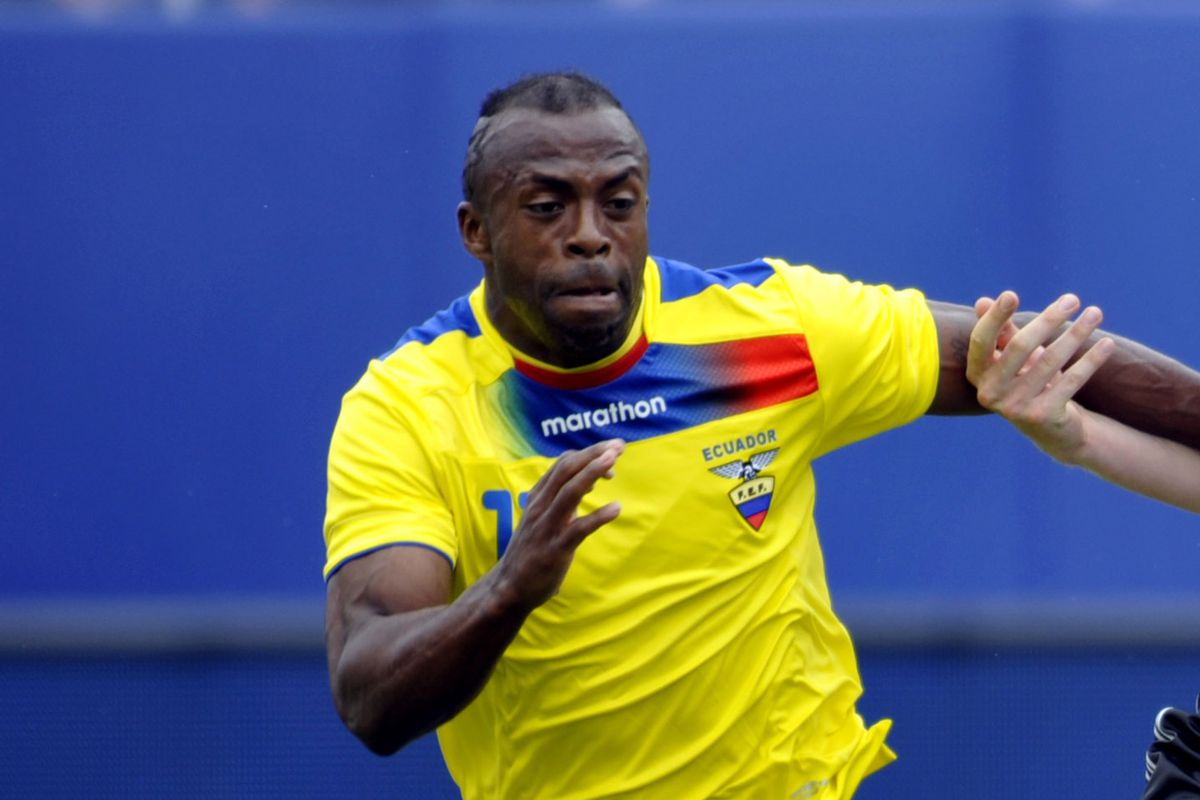 new products b6027 1b8cd Christian 'Chucho' Benitez passes away at 27 - SBNation.com
