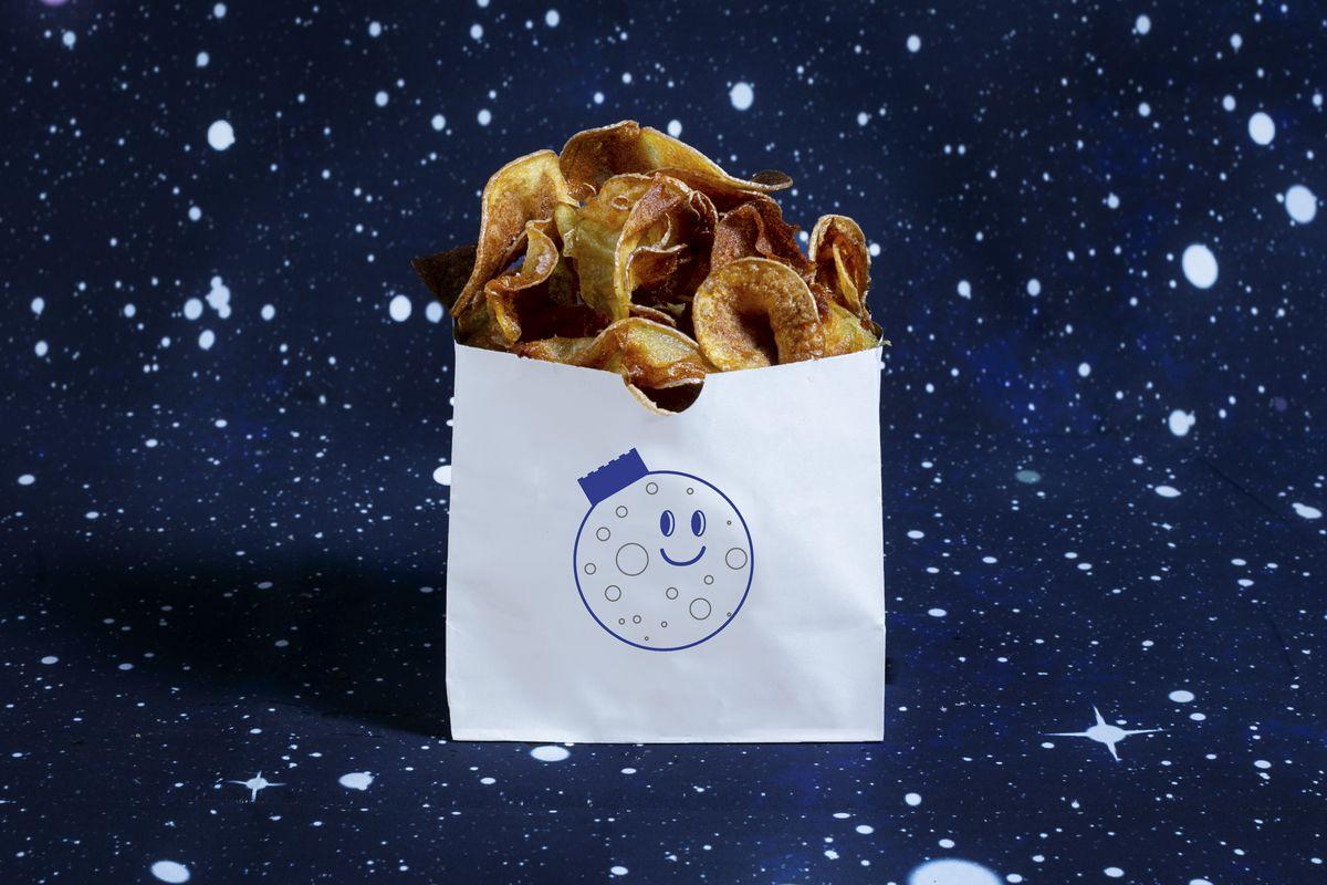 Hot Chips at Moon Palace
