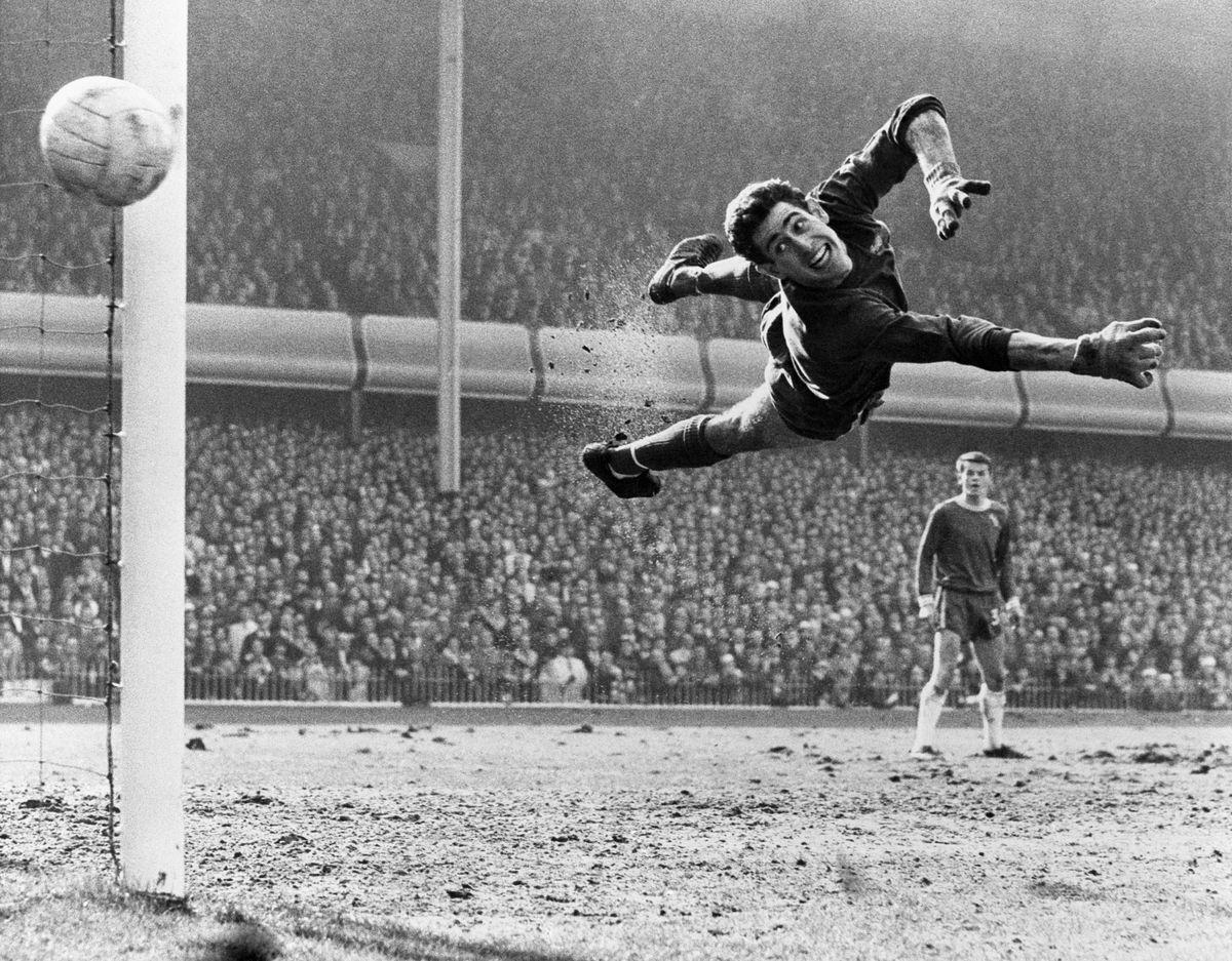 Soccer - FA Cup - Semi Final - Chelsea v Liverpool - Villa Park