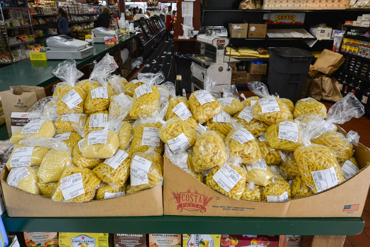 Housemade dry pastas in bags.