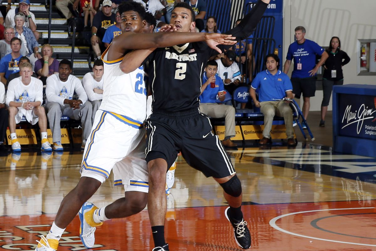 Tony Parker and Devon Thomas battled down low all night