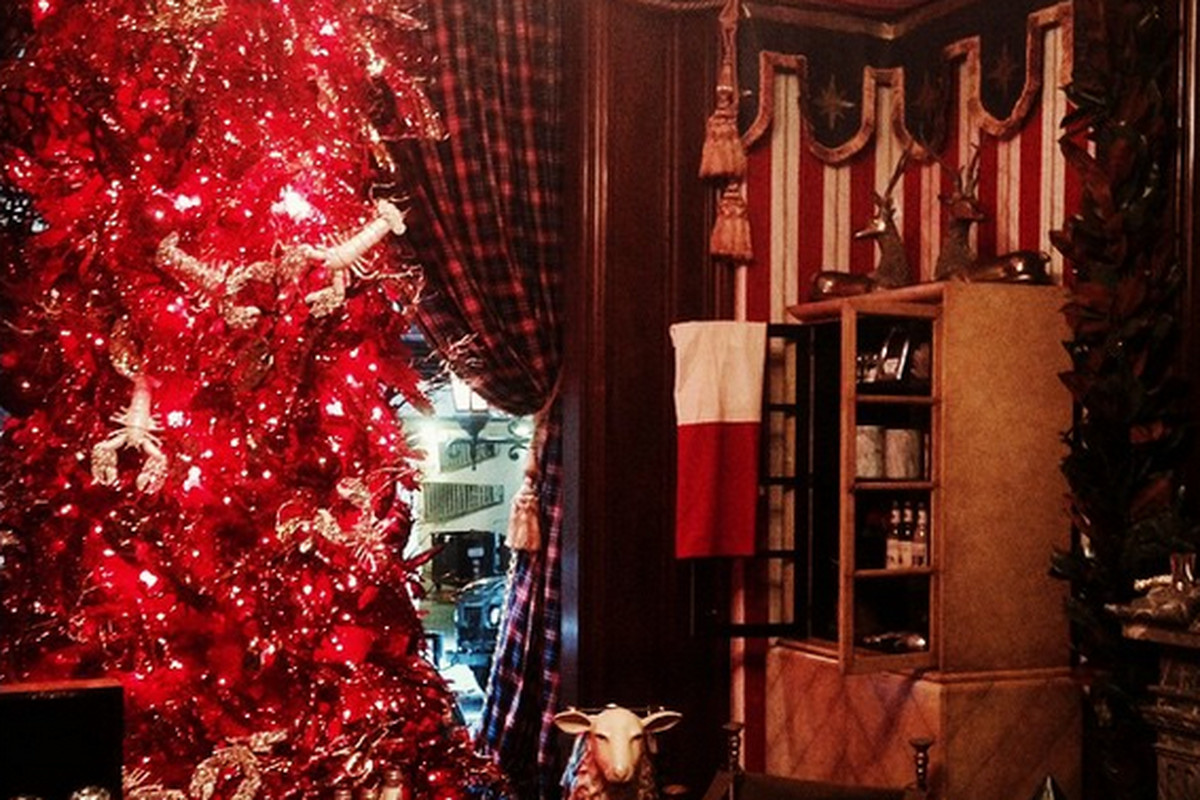 "The Holiday Workshop at the St. Regis Hotel. Photo: <a href=""http://instagram.com/p/vbT03KP0zl/?modal=true"">@bronsonvanwyck</a>/Instagram"