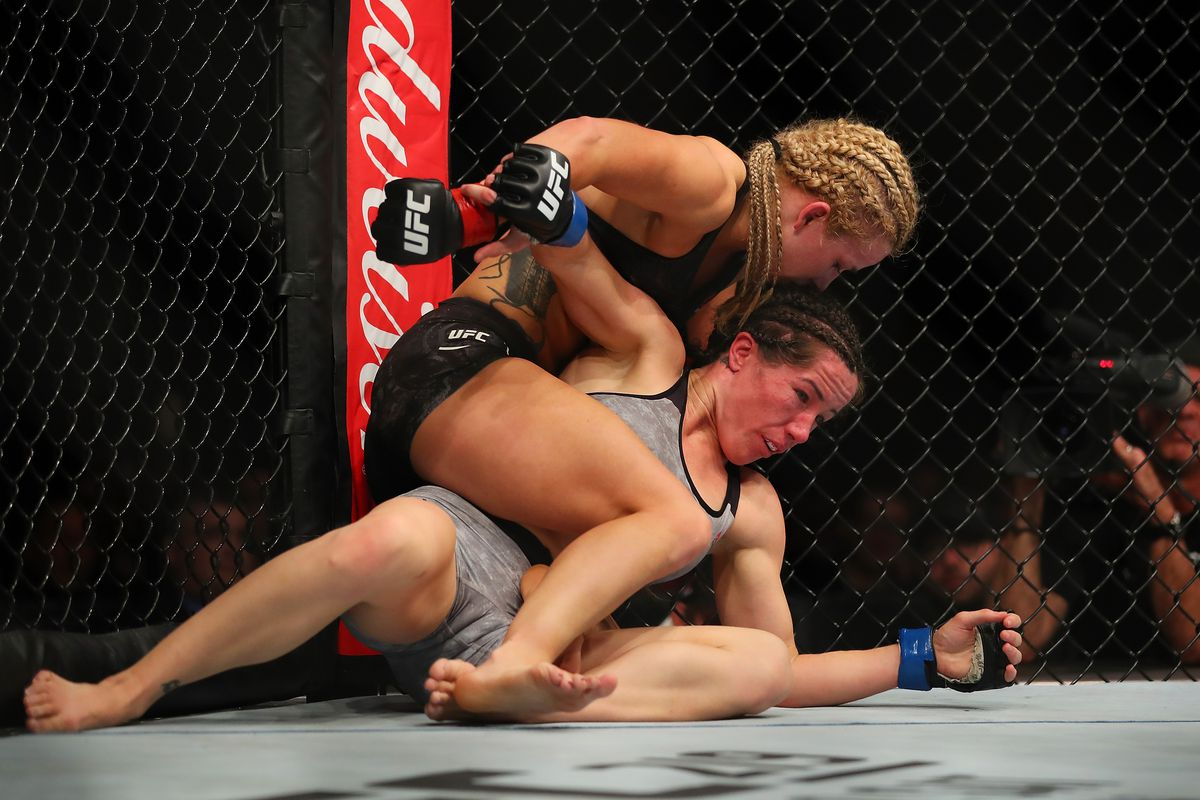UFC 218: Cooper v Magana