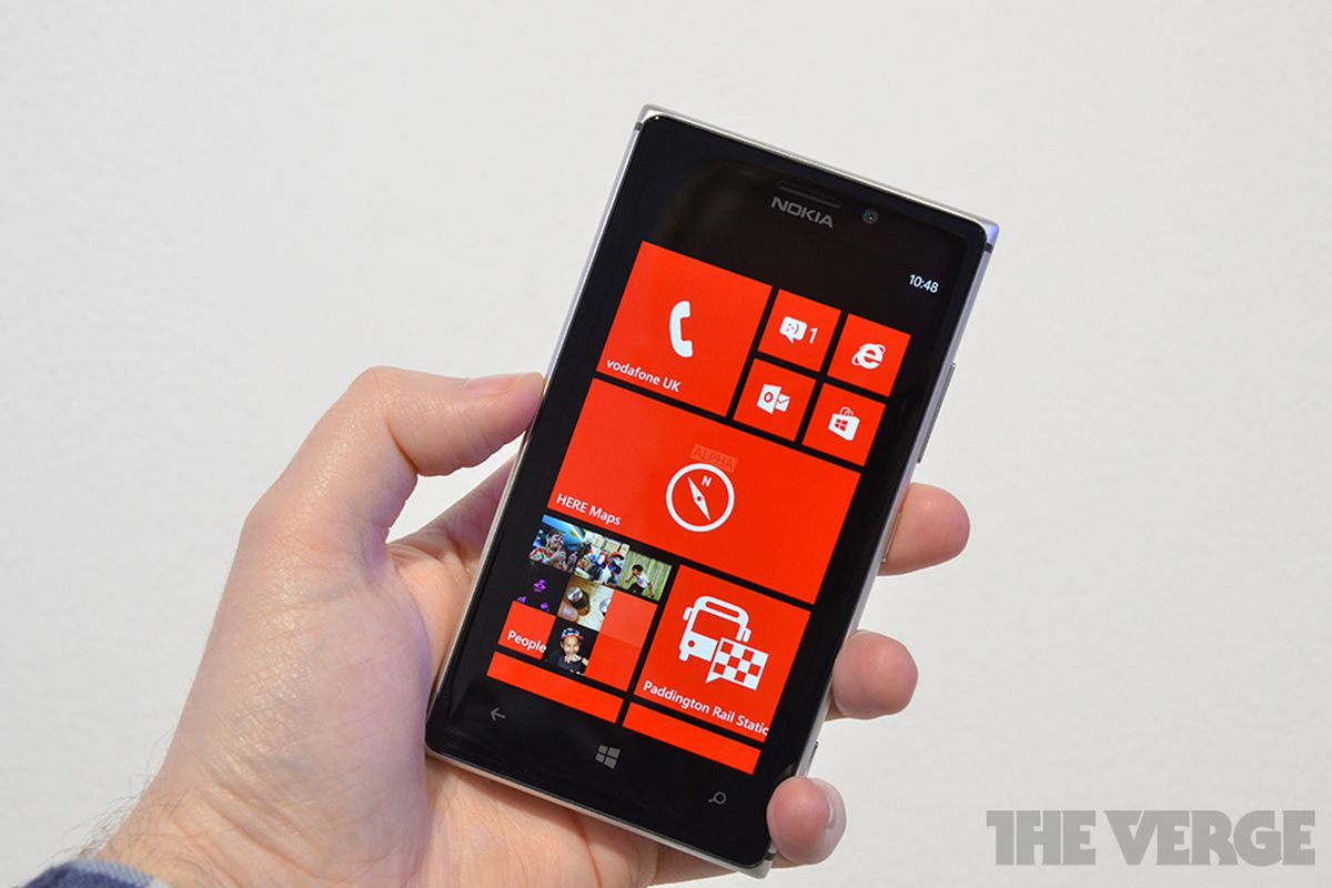How Does The Nokia Lumia 925 Stack Up Against Its High End Touchscreen 920 Gallery Photo Hands On