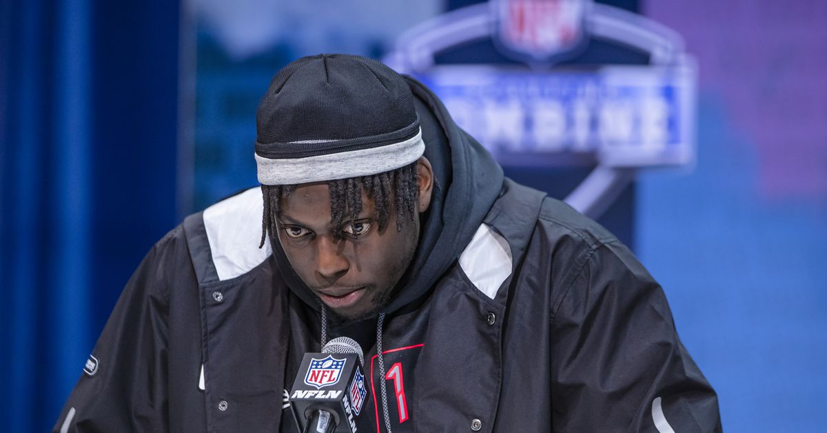 NFL Mock Draft Roundup: Lamb and Kinlaw are being mocked to the 49ers the most