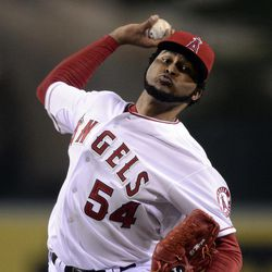 Los Angeles Angels starting pitcher Ervin Santana throws to the plate during the second inning of their baseball game against the Chicago White Sox, Friday, Sept. 21, 2012, in Anaheim, Calif. AP Photo/Mark J. Terrill)