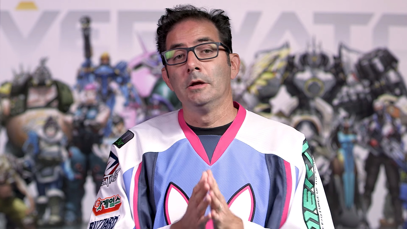 jeff kaplan�s oversized dva jersey steals the show in