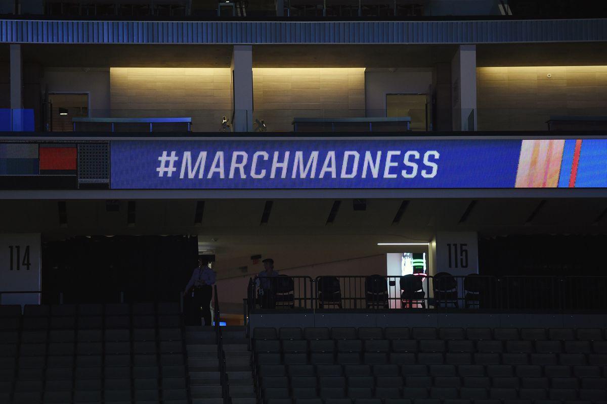NCAA BASKETBALL: MAR 19 Div I Men's Championship - Second Round - Oregon v Rhode Island