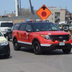 1:00 p.m. CFD battalion chief making his way through the traffic on Clark -