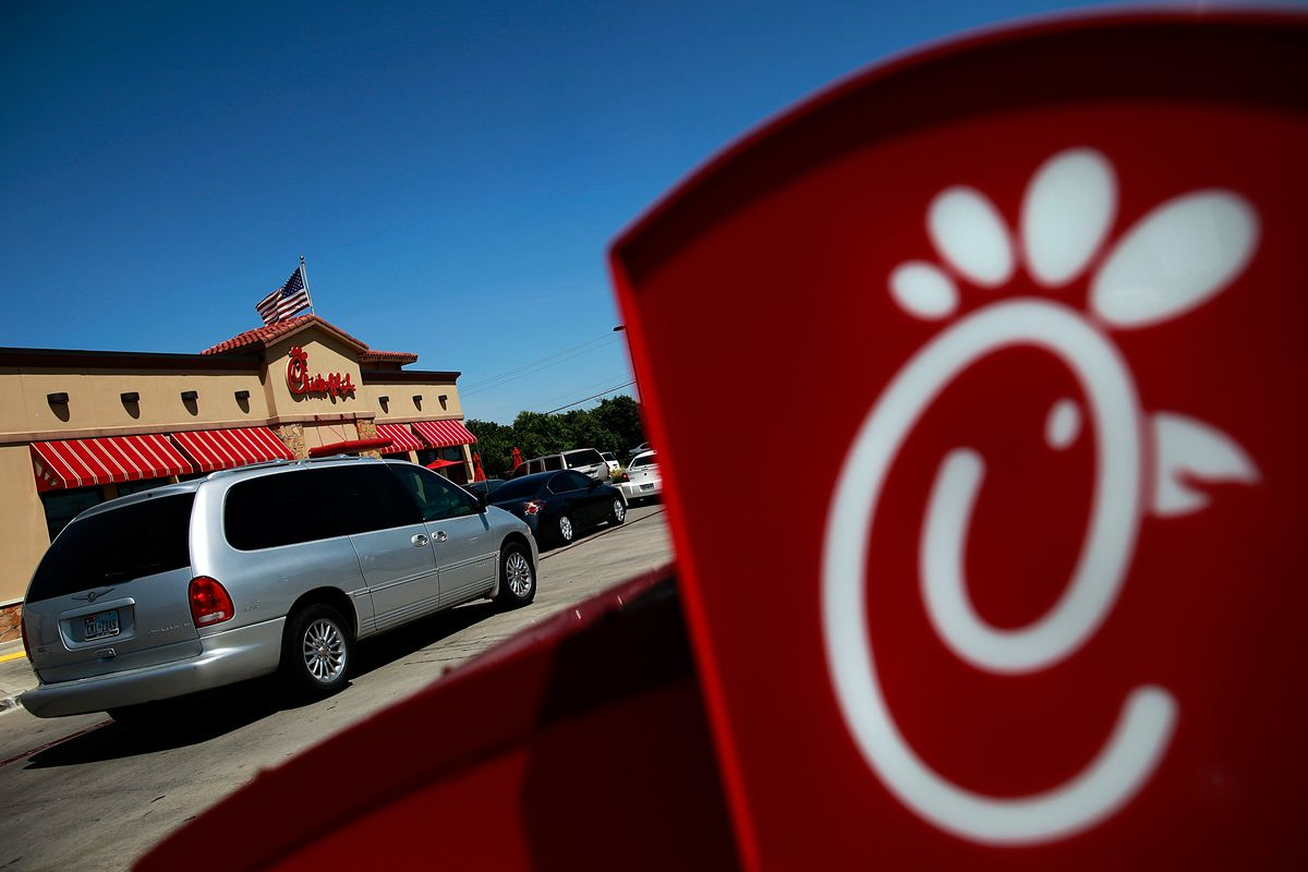 """Texas Governor Greg Abbot Signs """"Save Chick-fil-A"""" Bill"""