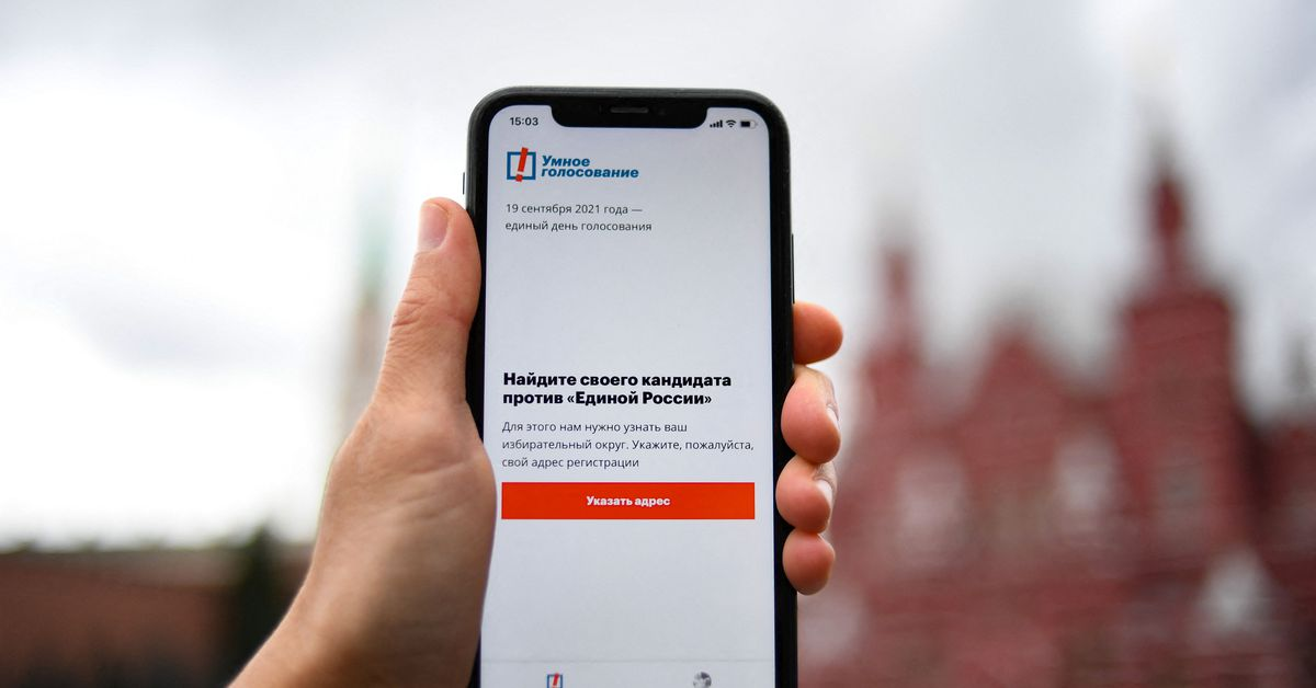 Apple and Google bend to Russian government pressure on voting app