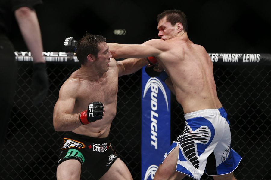 UFC 162 results: Chris Weidman knocks out Anderson Silva ...