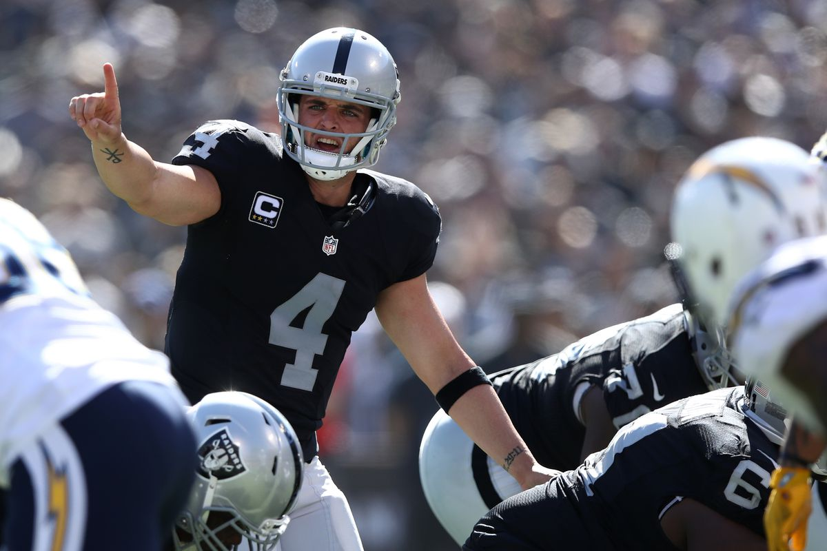 Jack Del Rio expects Raiders to Derek Carr back next week vs