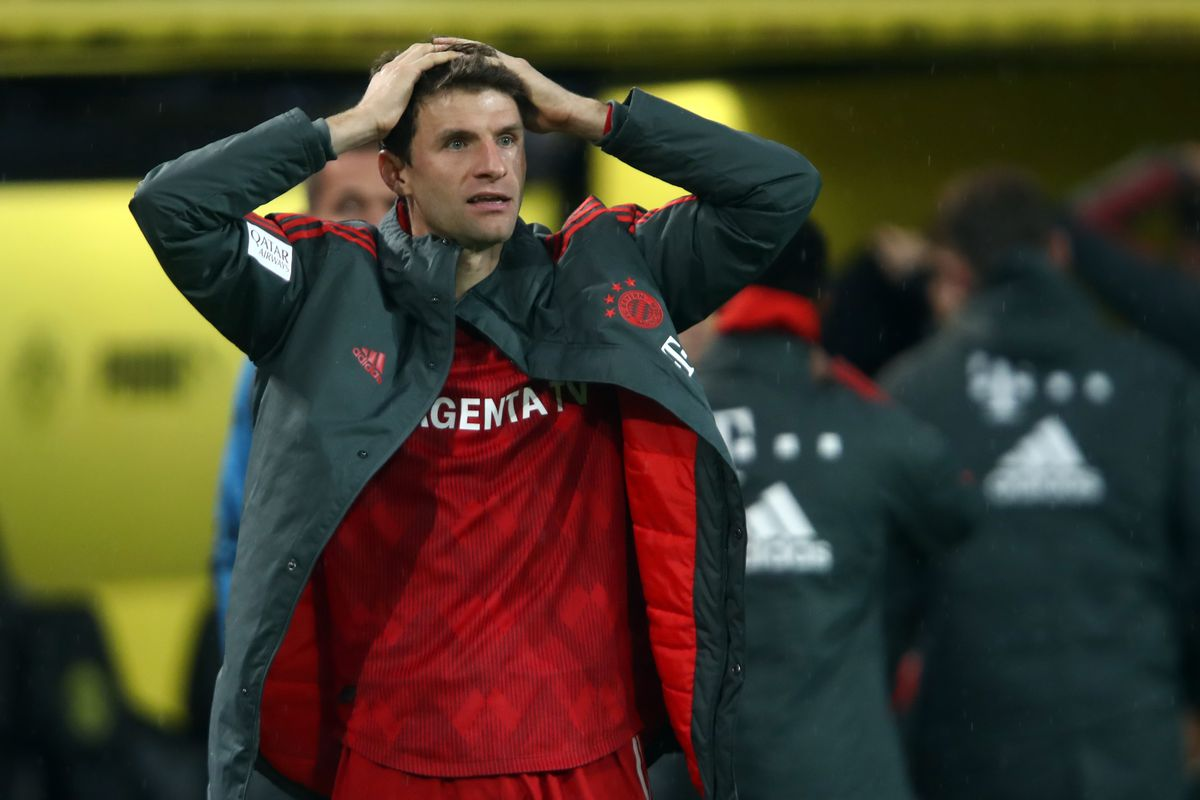 DORTMUND, GERMANY - NOVEMBER 10: Thomas Mueller of Muenchen reacts after a disallowed goal scored by Robert Lewandowski of Muenchen during the Bundesliga match between Borussia Dortmund and FC Bayern Muenchen at Signal Iduna Park on November 10, 2018 in Dortmund, Germany.