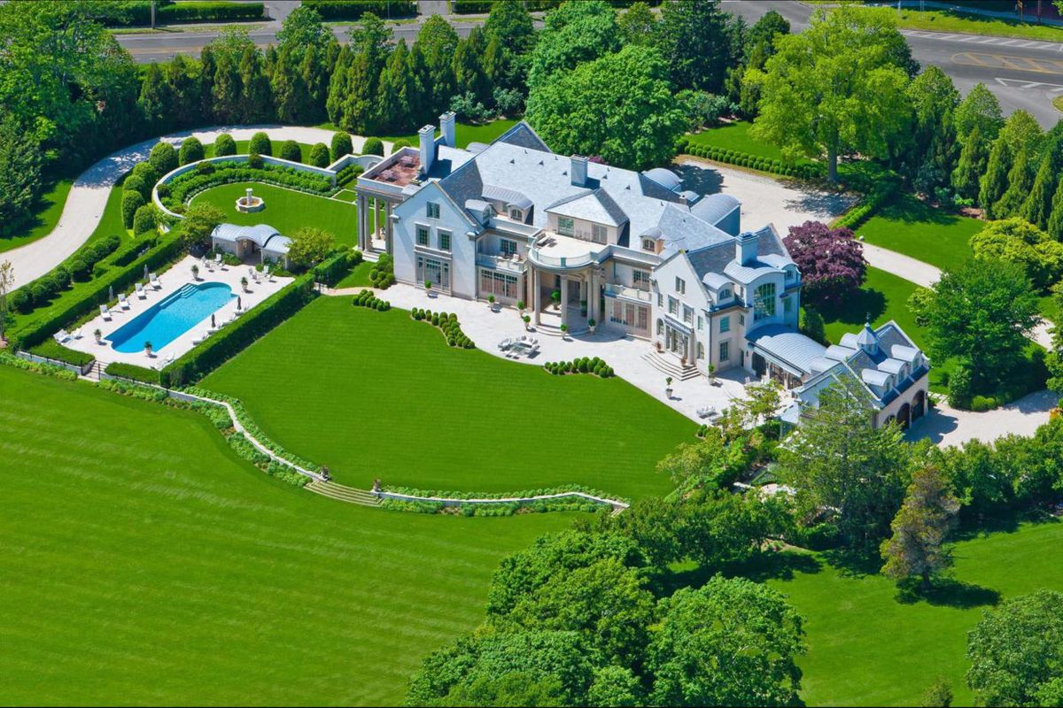 historic hamptons estate  villa maria  is now in contract