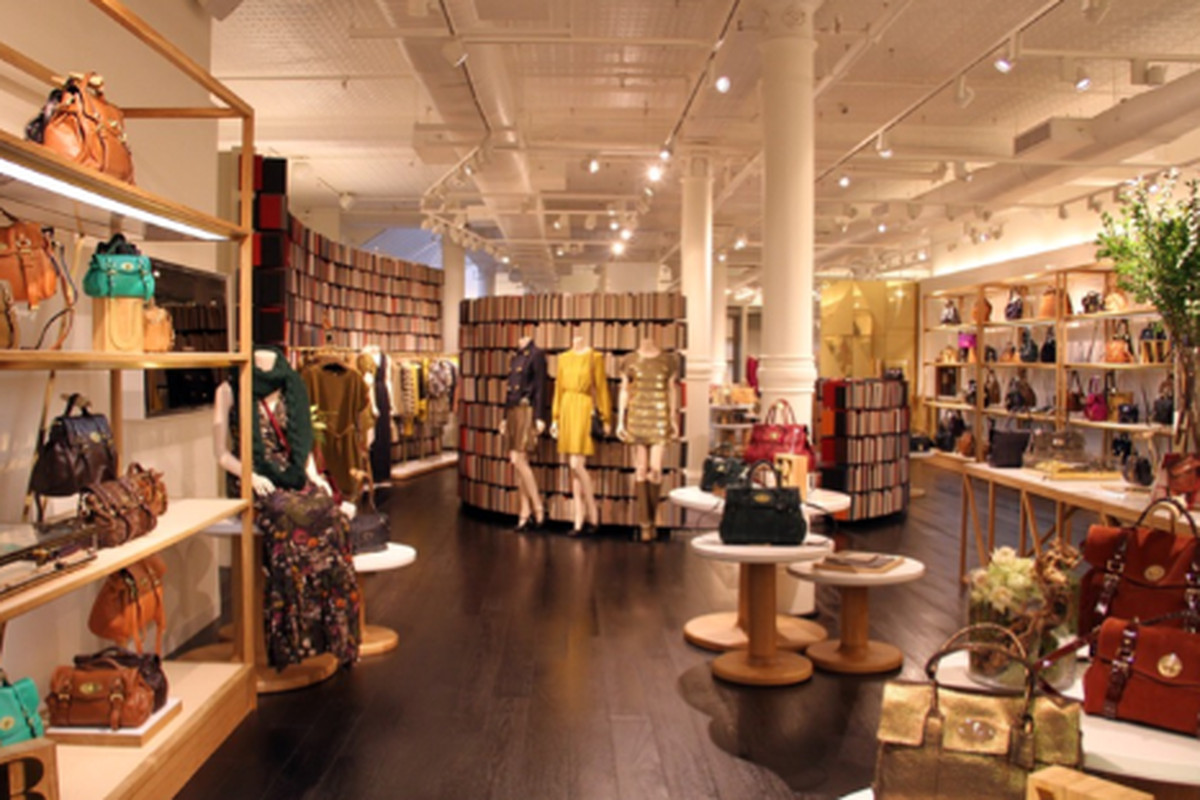 "Image via <a href=""http://www.wwd.com/retail-news/designer-luxury/mulberry-opens-largest-us-store-5111992"">WWD</a>"