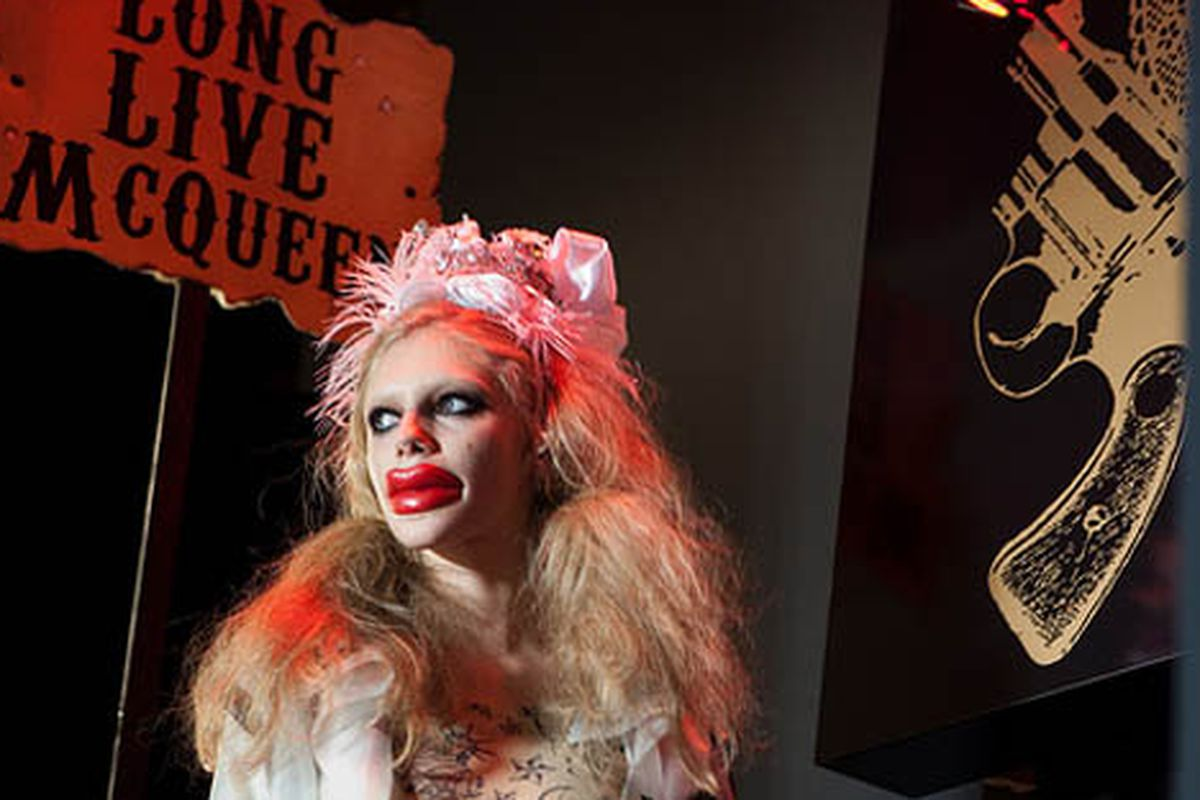 """Betsey Johnson's runway show pays homage to McQueen. Via <a href=""""http://www.flickr.com/photos/oliver62/4357713435/in/pool-rackedny"""">Oliver 62</a>/Racked Flickr Pool"""