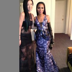 "One more Kerry Washington with her date, <a href=""https://twitter.com/VeraWangGang/status/331560026168774656/photo/1"">Vera Wang</a>."