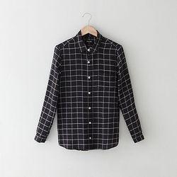 """Steven Alan silk boyfriend shirt, <a href=""""http://www.stevenalan.com/Womens-Sale-Edit/sale-styles-going-fast-womens-sale-edit,default,sc.html"""">$73.20</a> at Steven Alan"""
