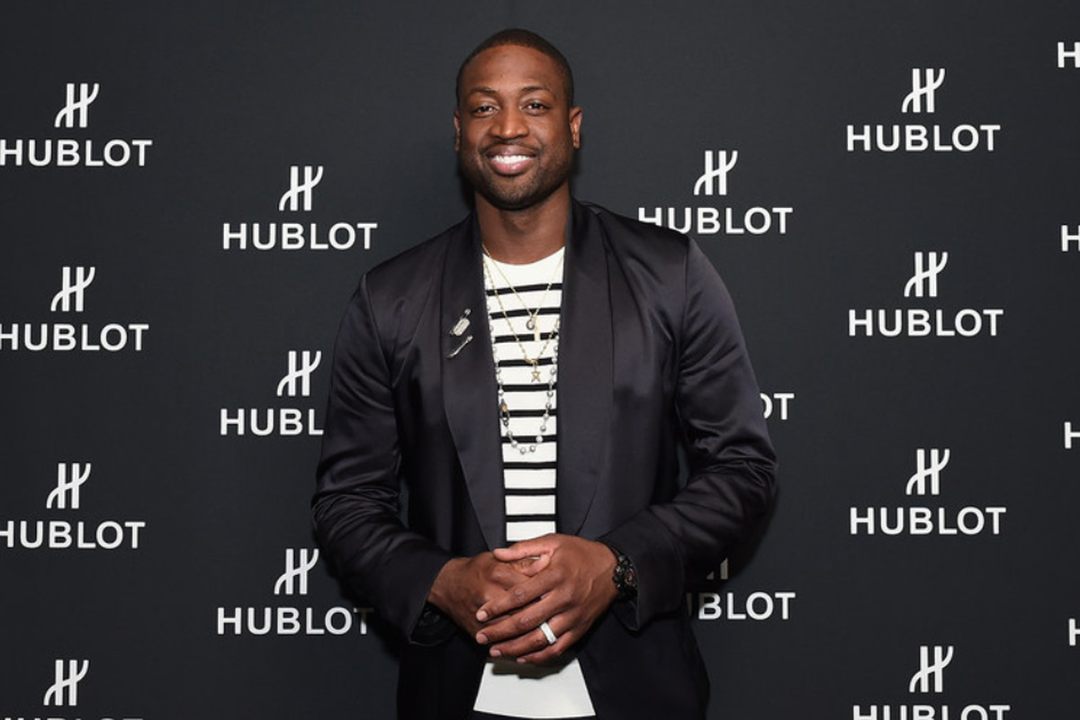 Dwyane Wade contract: sings deal with shoe company - Chicago