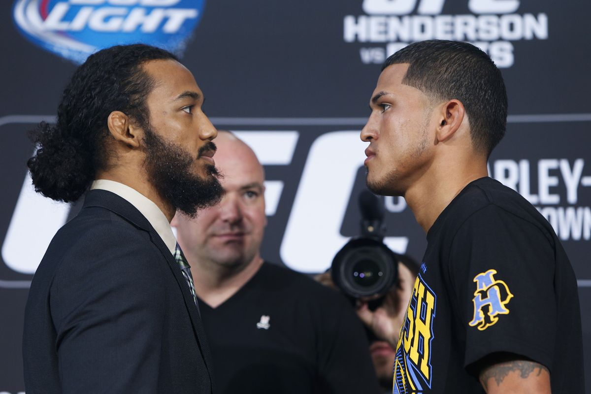 Benson Henderson will face Anthony Pettis in the UFC 164 main event Saturday.
