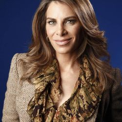 """FILE - This Jan. 6, 2012 file photo shows fitness guru Jillian Michaels in New York.  """"The Biggest Loser"""" will return in January with the weight-loss show's first young teen participants and trainer Jillian Michaels back on duty. NBC says the show's 14th season will take on a new """"mission"""" against the national increase in childhood obesity. Young people between the ages of 13 and 17 will join teams trying to shed pounds and get fit."""