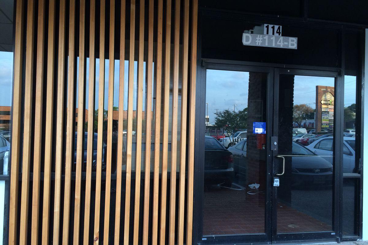 Michi Ramen's plywood on South Lamar