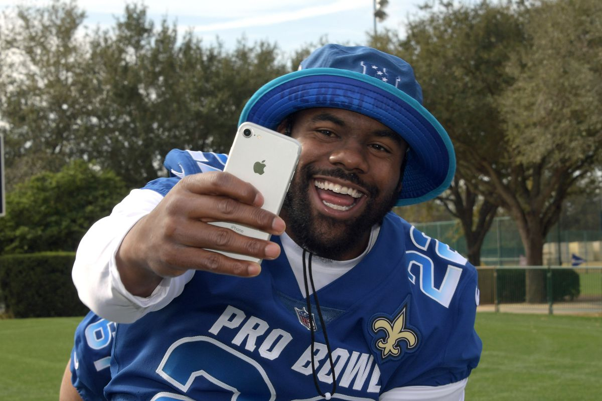 KISSIMMEE, FL - New Orleans Saints running back Mark Ingram (22) poses for a selfie during NFC practice for the 2018 Pro Bowl at ESPN Wide World of Sports.