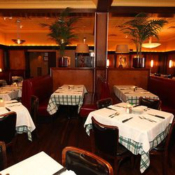 A classic steakhouse if Chicago ever had one, just more than 20 years old, Gibsons sits in a prime location in the heart of the Gold Coast. The joint is hopping ever night and it isn't showing signs of slowing anytime soon.