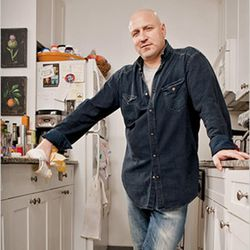 """<b>Tom Colicchio</b>: Tom is not a giant, his kitchen is just tiny.  It's cool though.  If he ever wants to cook, he can just hop behind the line at one of his many Manhattan restaurants.  <i>[<a href=""""http://www.nytimes.com/2009/05/03/magazine/03wwln-dom"""