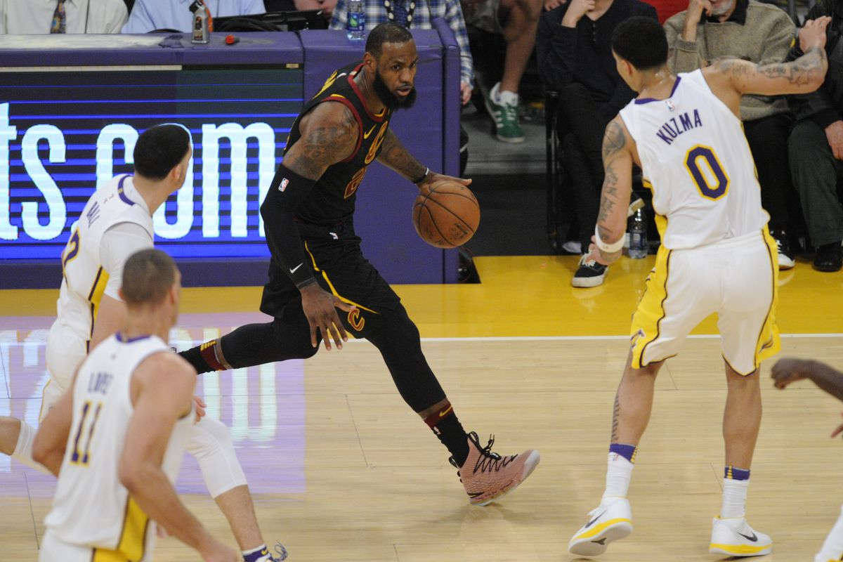 Lakers Vs Cleveland 2018 >> Lakers Make Strong Impression On Lebron James In 127 113 Win