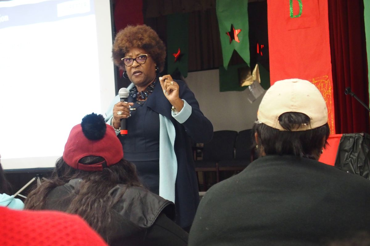 Sonya Smith, a longtime community organizer in Memphis Frayser, speaks to parents at Hawkins Mill Elementary School on Thursday during a community meeting about state intervention plans.