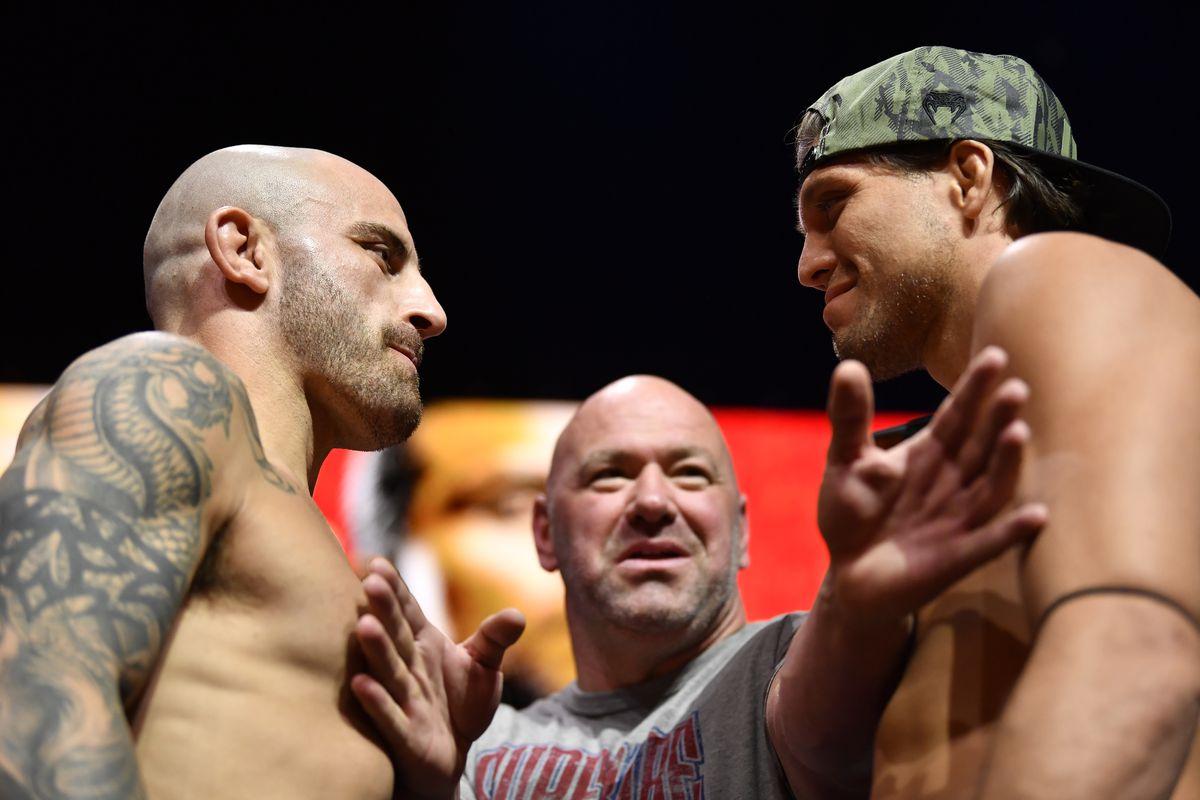 Alexander Volkanovski and Brian Ortega at UFC 266