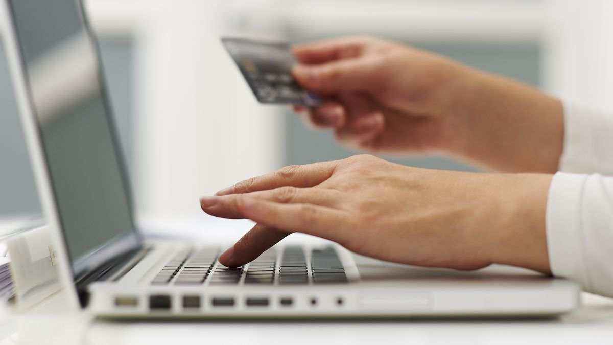 Online e commerce stores rampant fake product selling is