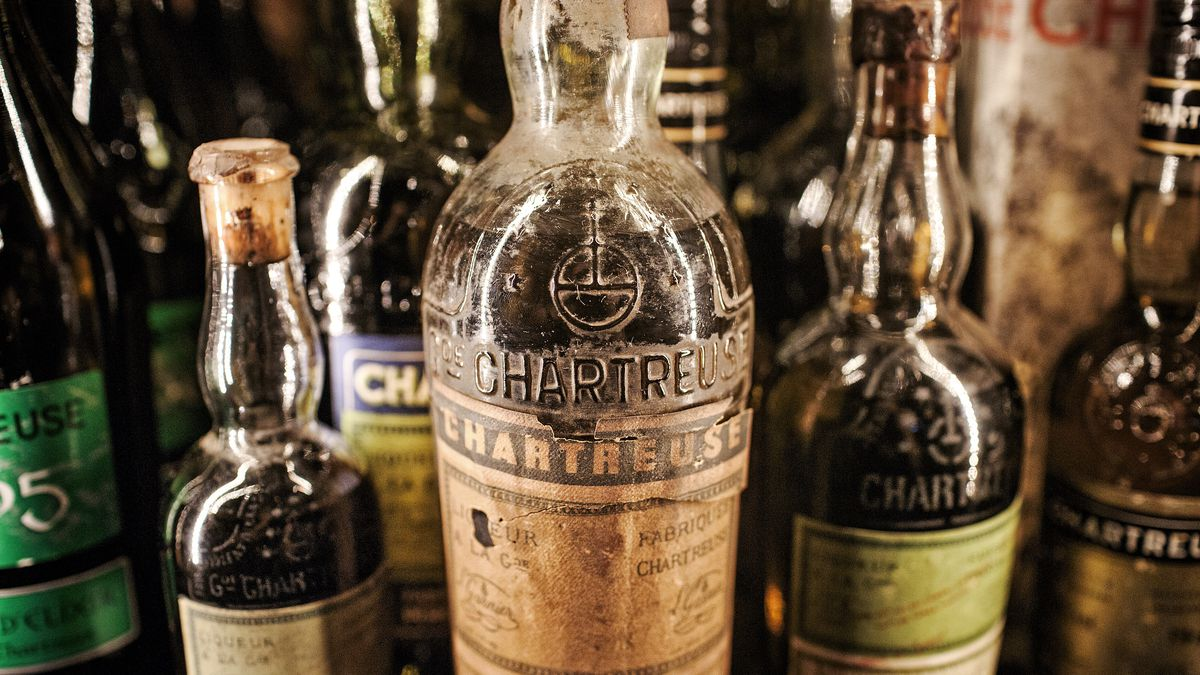 The Saratoga's chartreuse collection