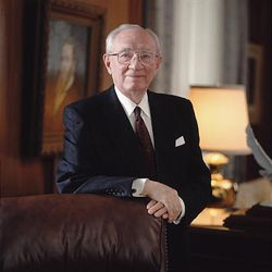 President Gordon B. Hinckley traveled more than a half-million miles as he visited church members while he was president.