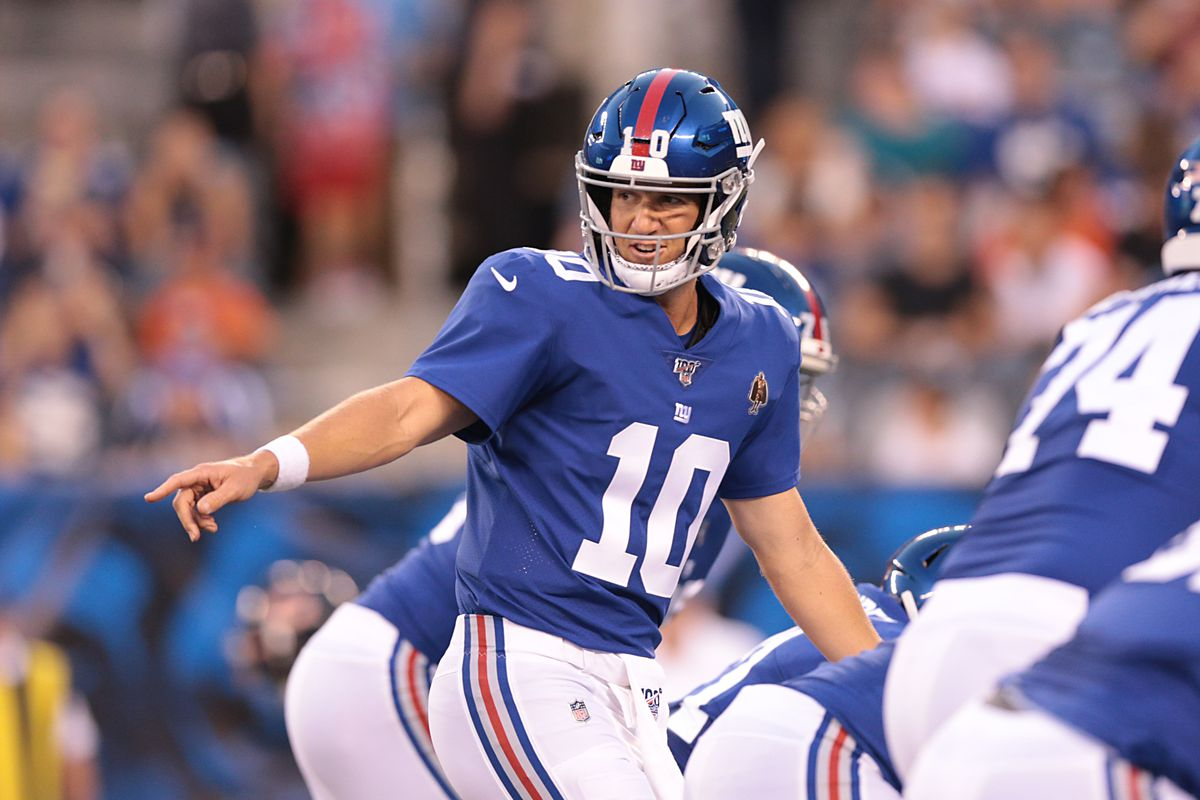 a6018dec Giants' Eli Manning perfect in limited action vs. Chicago Bears ...