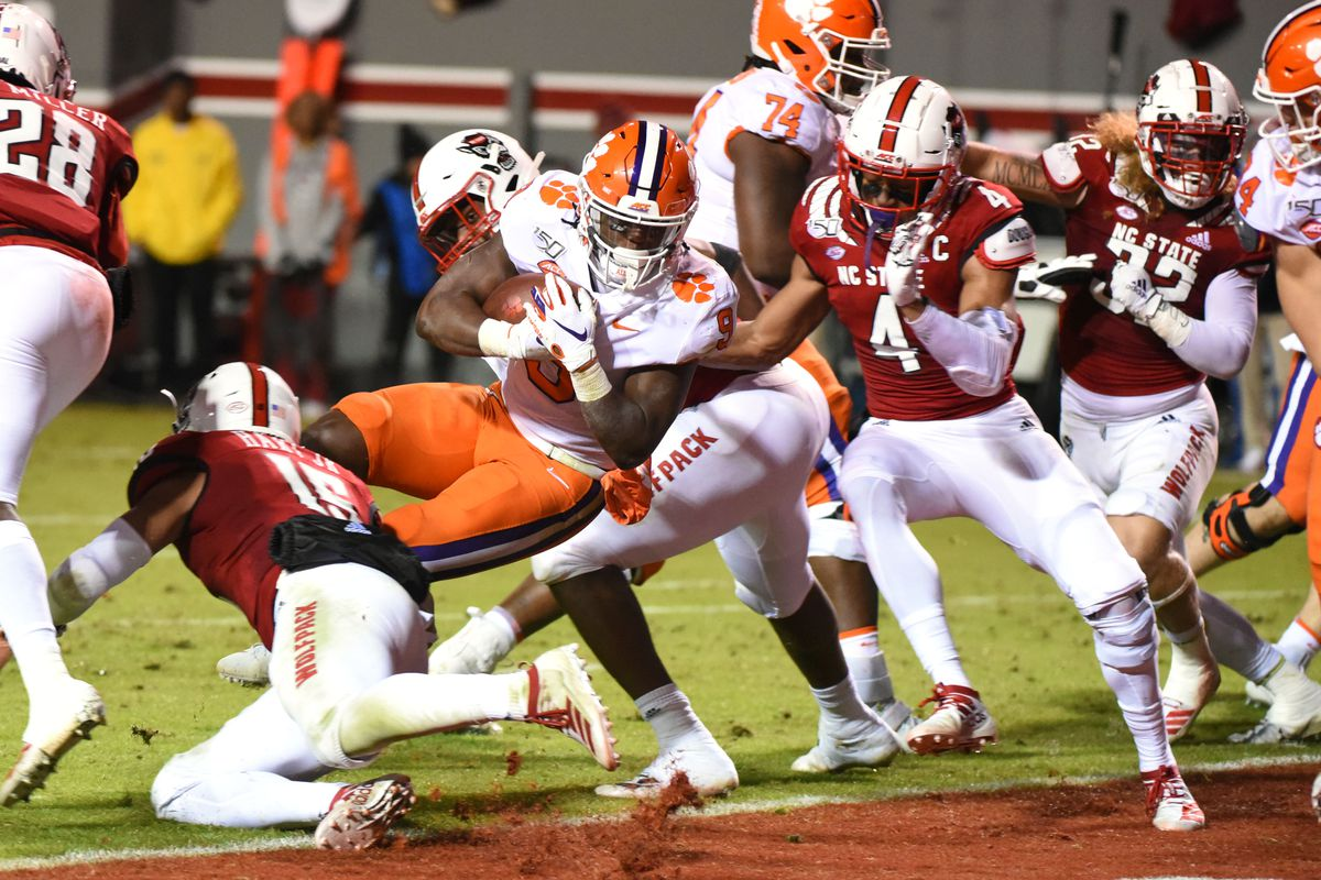 Nc State Falls Short Against Clemson 55 10 Backing The Pack