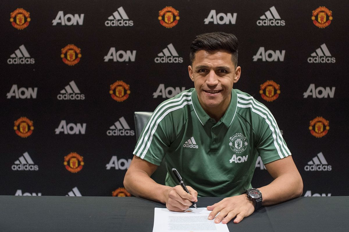 Manchester United Unveil New Signing Alexis Sanchez