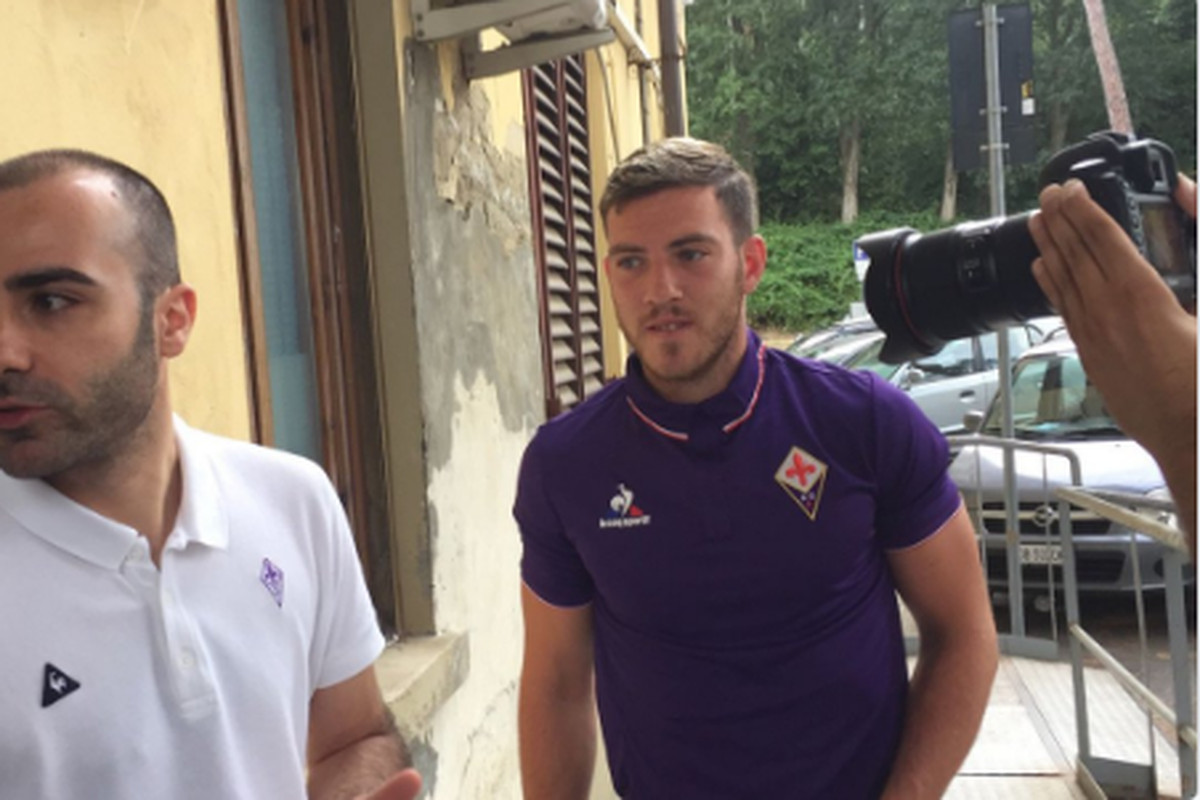 Photo shows Aston Villa's Jordan Veretout undergoing Fiorentina medical
