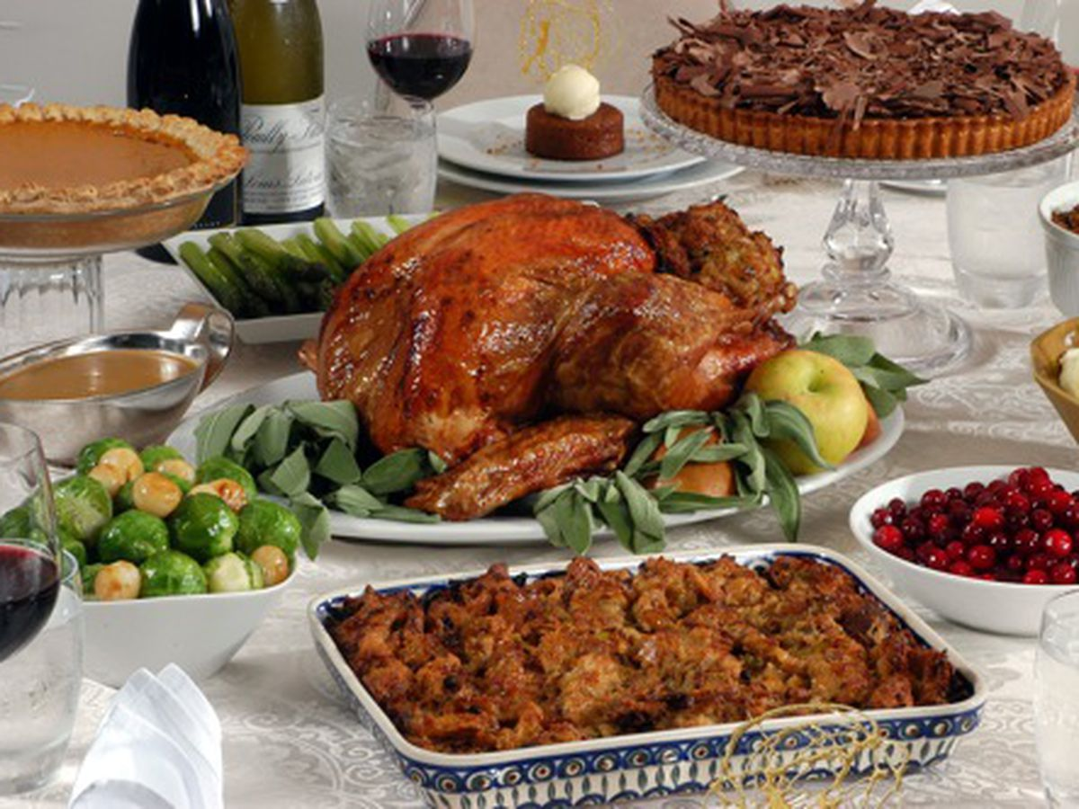 Outsource Your Turkey Day Meal This Thanksgiving
