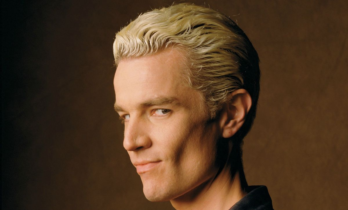 James Marsters super-smirks at the camera as Spike in Buffy the Vampire Slayer