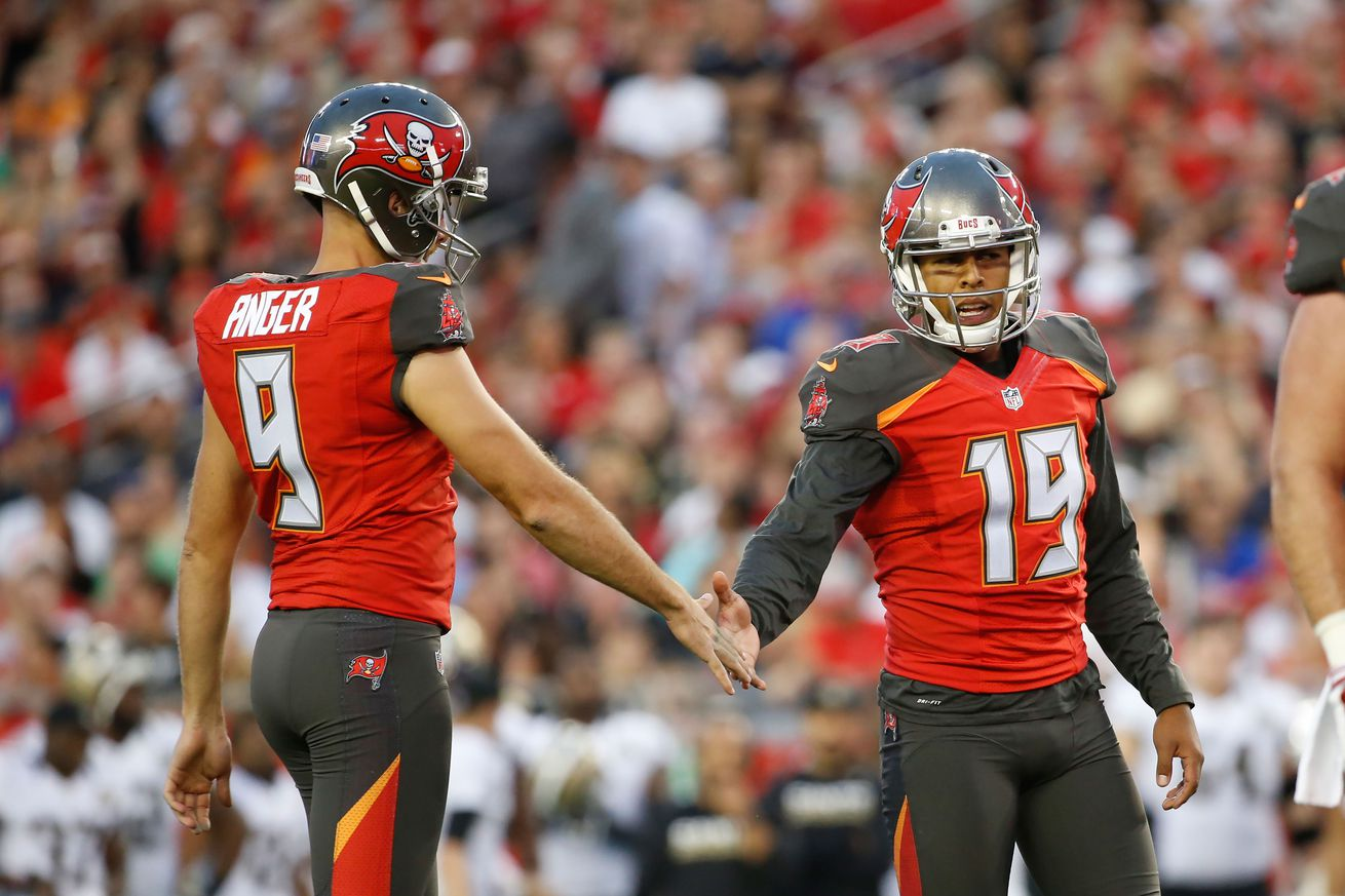 Roberto Aguayo doesn't look good in practice, but it's early