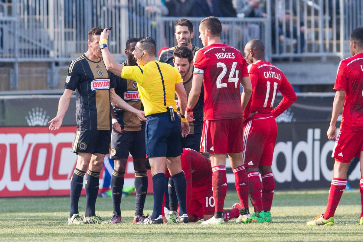 Zac Pfeffer got a red card for an elbow to Mauro DIaz.