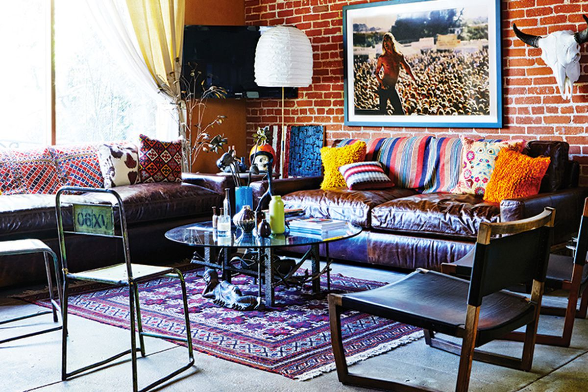 """Image via <a href=""""http://www.domainehome.com/brent-bolthouse-la-story/"""">Domaine</a>"""