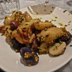 Potatoes w/bacon and mustarda.