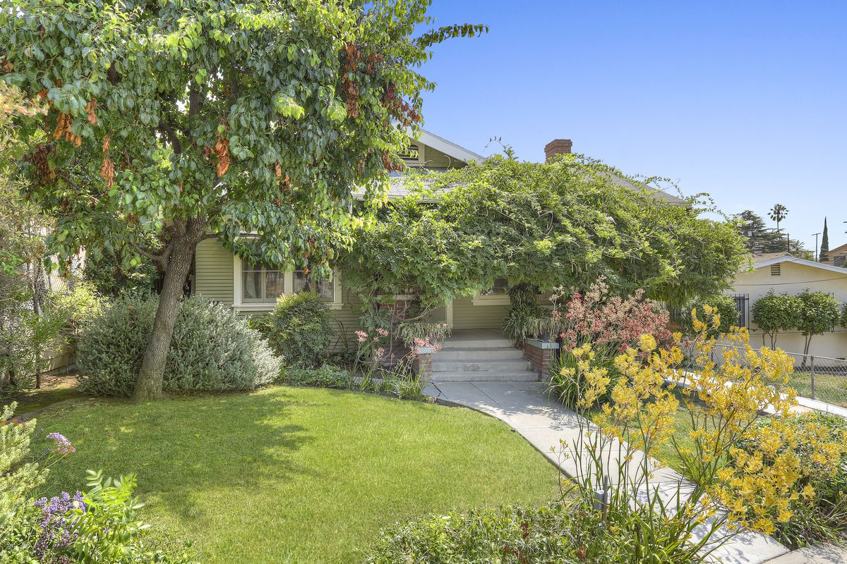 rent a historic bungalow in echo park for 3 500 per month curbed la