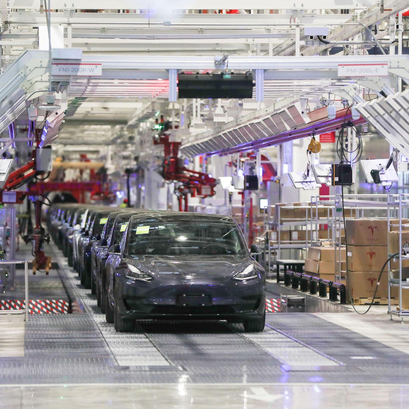 """Résultat de recherche d'images pour """"china, industries, vehicles, coronavirus, 2020"""""""